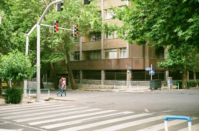 خیابان نادری+خیابان ایتالیا+تهران- تاریکی حق ما نیست