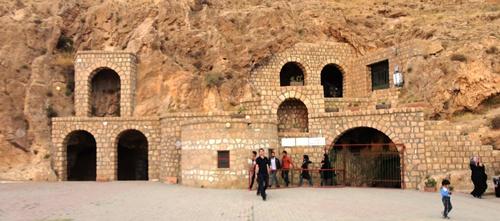 ورودی غار کتله خور