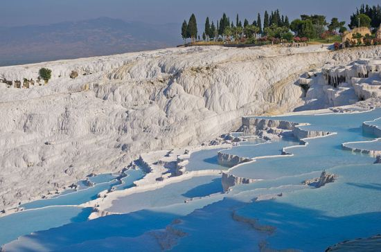 چشمه های پاموک کاله در ترکیه