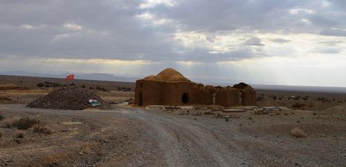 آرامگاه پیر روستای آبخورگ